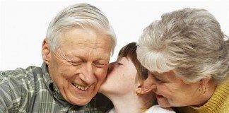 Beijar ou abraçar