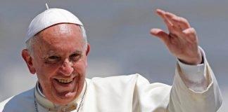 Papa faz critica