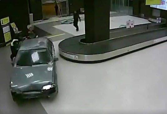 Homem invade