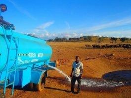 homem-viaja-para-levar-agua