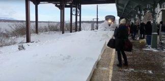 "Comboio gera ""tsunami"" de neve"