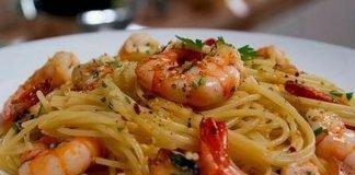 Esparguete com camarão