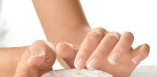 Mãos mais jovens com estas poções mágicas