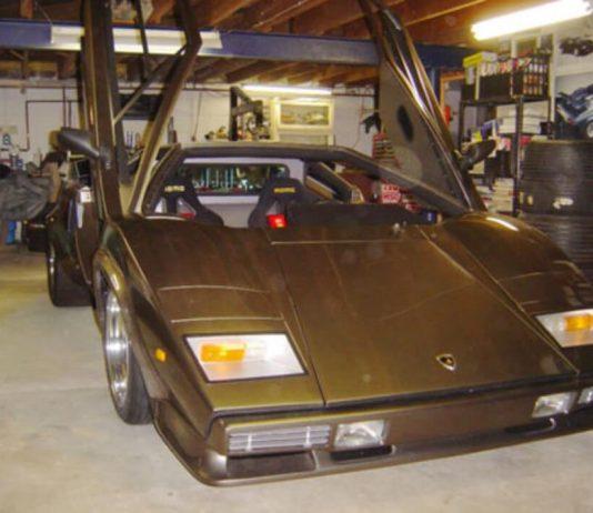 Homem construiu um Lamborghini