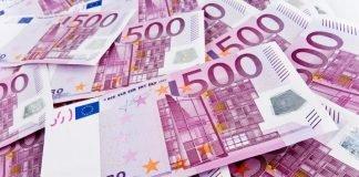Maços de notas de 500 euros