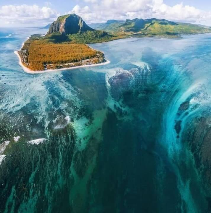 """""""cachoeira"""" no fundo das águas"""