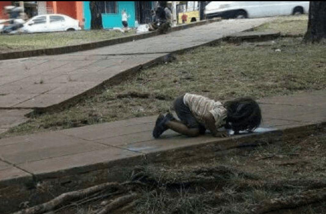criança africana faminta