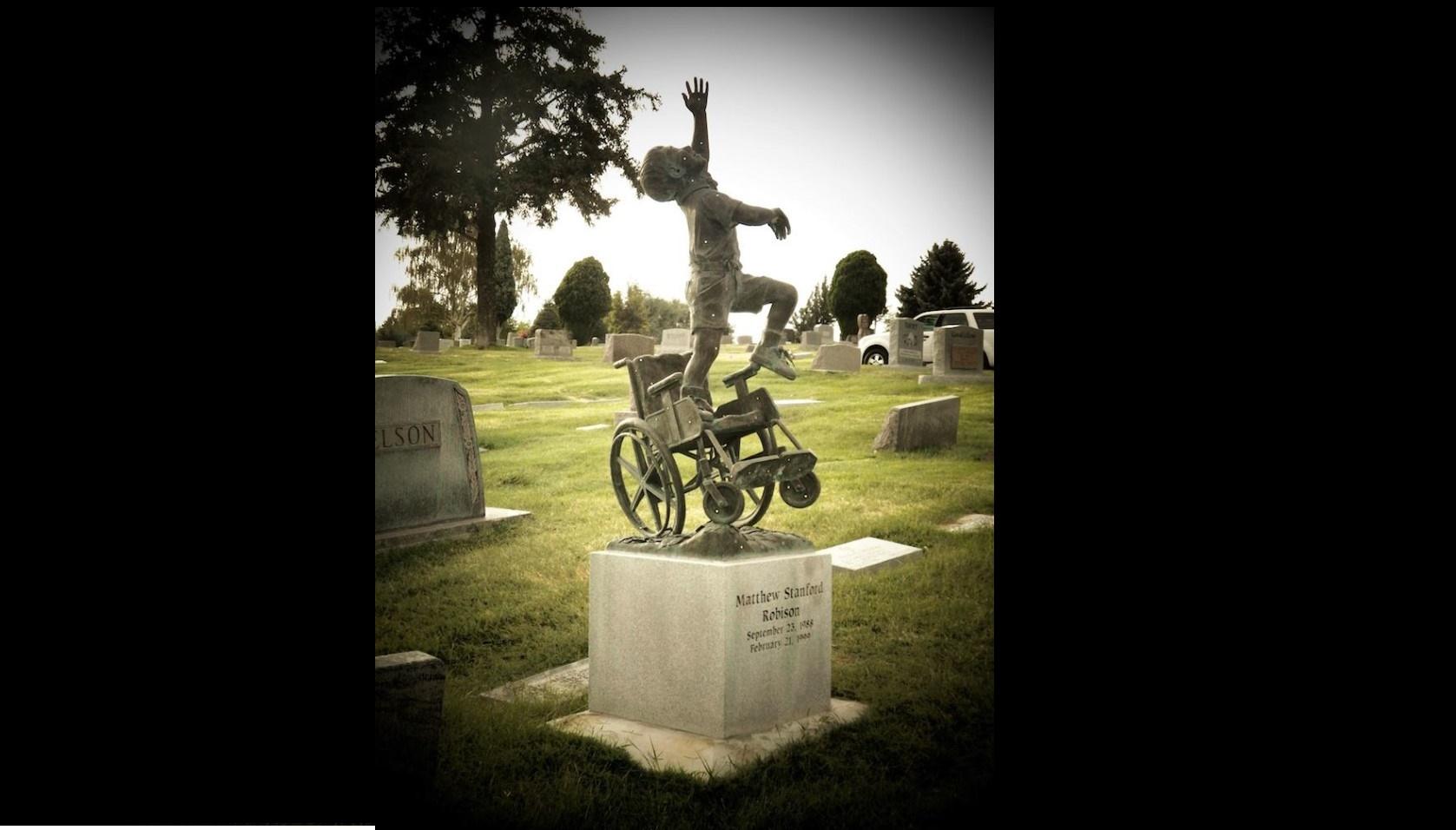 Pai em luto cria memorial