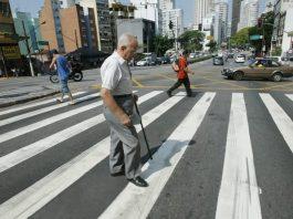 Benefícios no trabalho para quem cuida de idosos