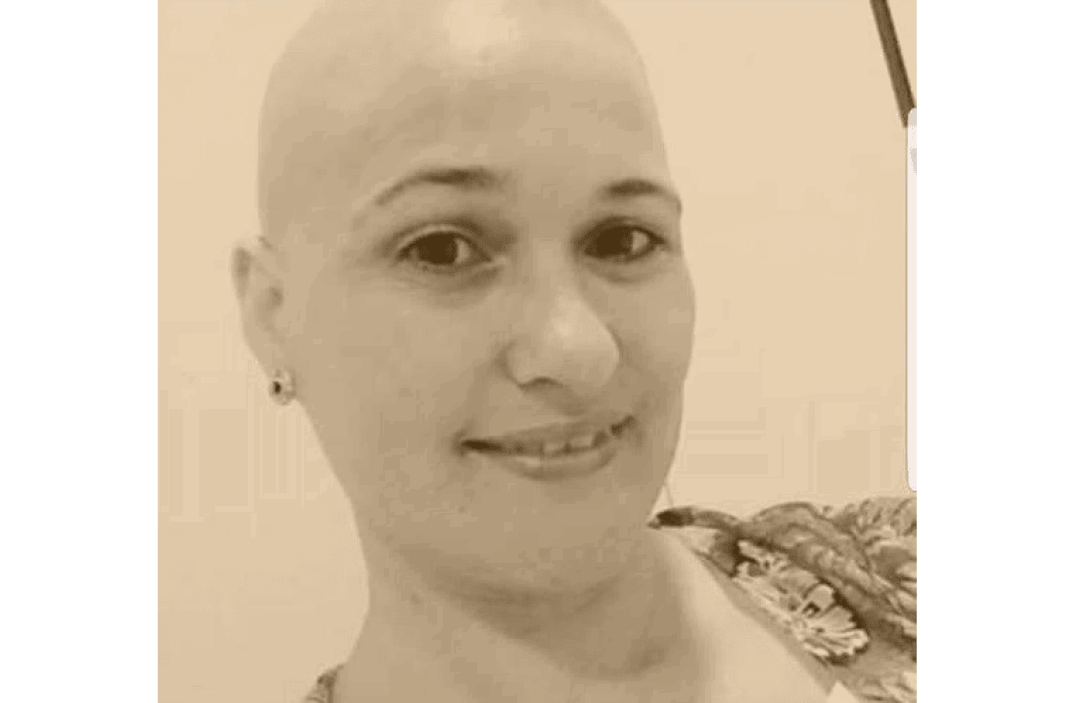 mulher que fingia ter cancro